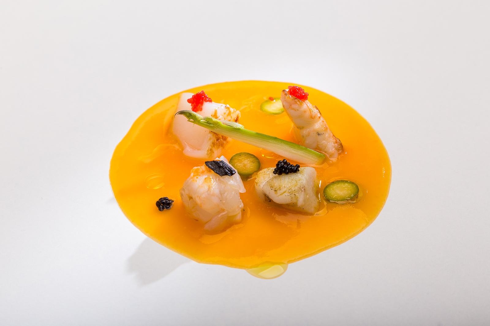 Crema fina de calabaza y jengibre con delicias del mar salteadas, Restaurante Jaizkibel
