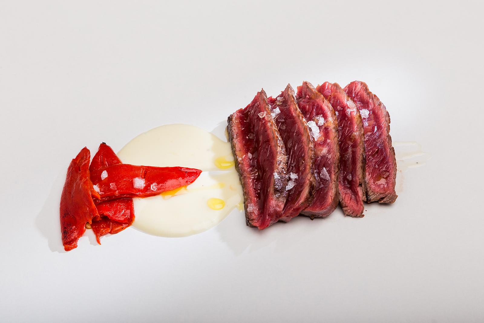 """Solomillo de vaca gallega """"Luismi"""" con patatas y pimientos de Navarra, Restaurante Jaizkibel"""