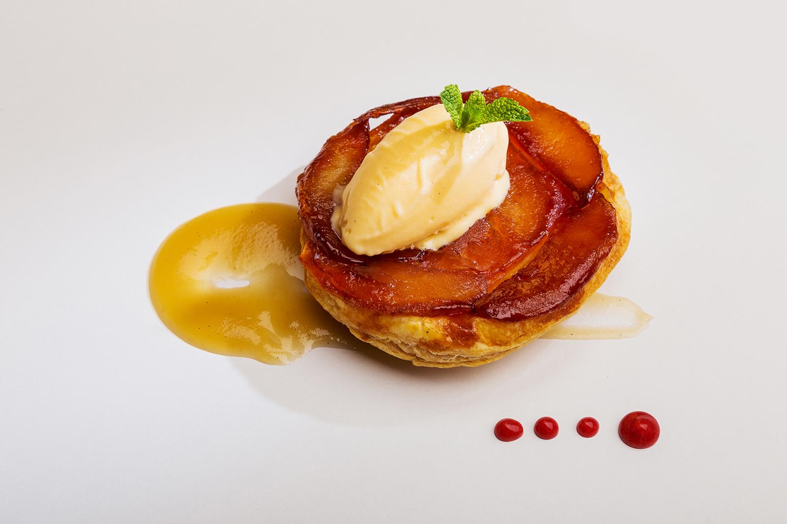 Tarta Tatín de manzana con helado de vainilla, Restaurante Jaizkibel